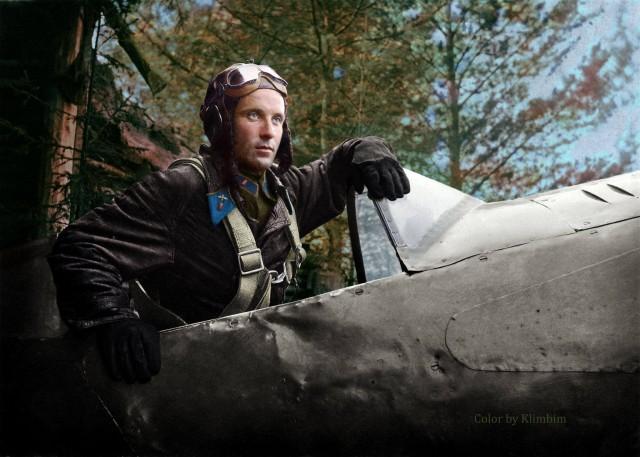 Airsquadroncommanderofthe124thFighterregimentAlexanderPronin194237ec1.jpg